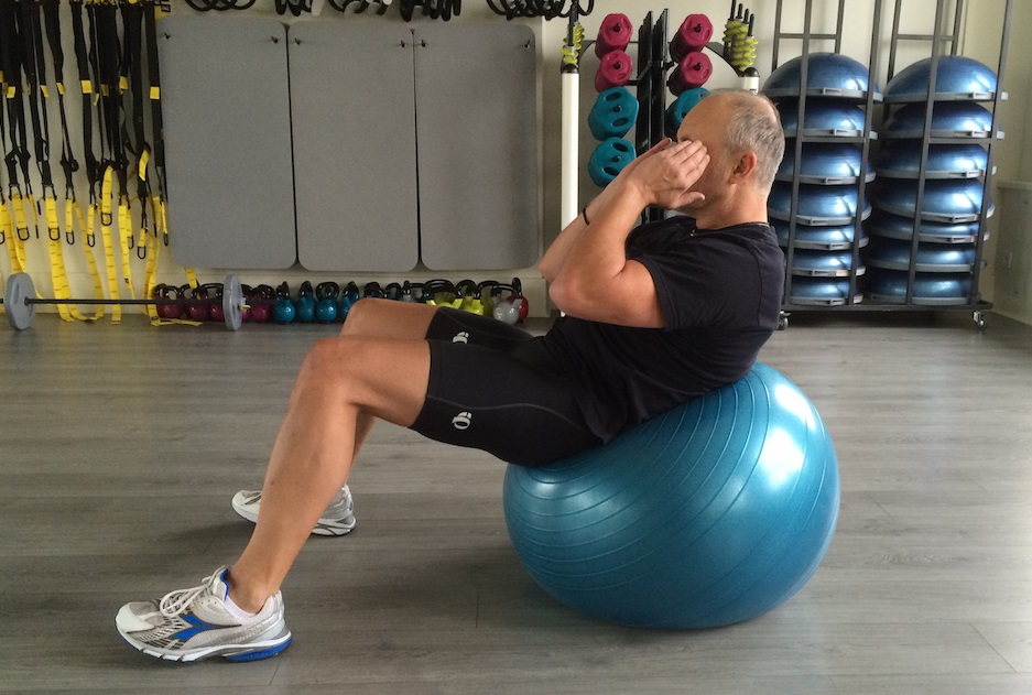 Crunch am Gymnastikball 2