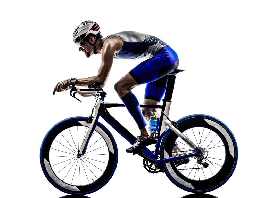 Radfahren ist neben Schwimmen und Laufen das ideale Training während der Eiweiß-Diät