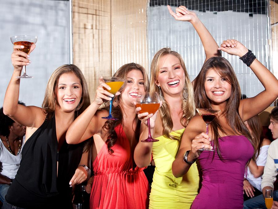 Wilde und alkoholreiche Partynächte sollten vermieden werden.