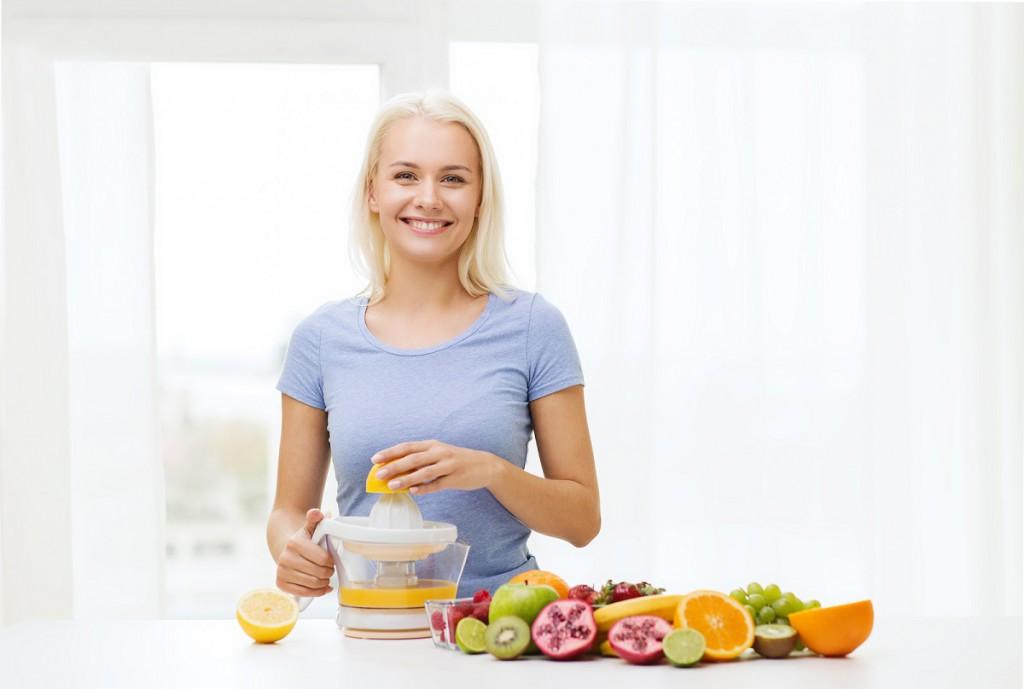 Smoothies als Teil der Diät | (c) Bigstockphoto ID: 95531897 | dolgachov