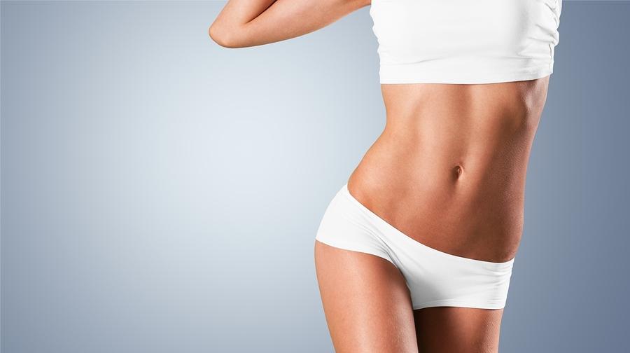 Operationen nach Gewichtsabnahme für eine Bikini-Figur  I ©Bigstockphoto.com: ID: 110015765/ www.BillionPhotos.com