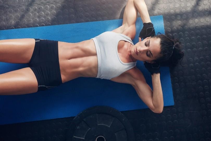 Bauchmuskel Übungen Frau