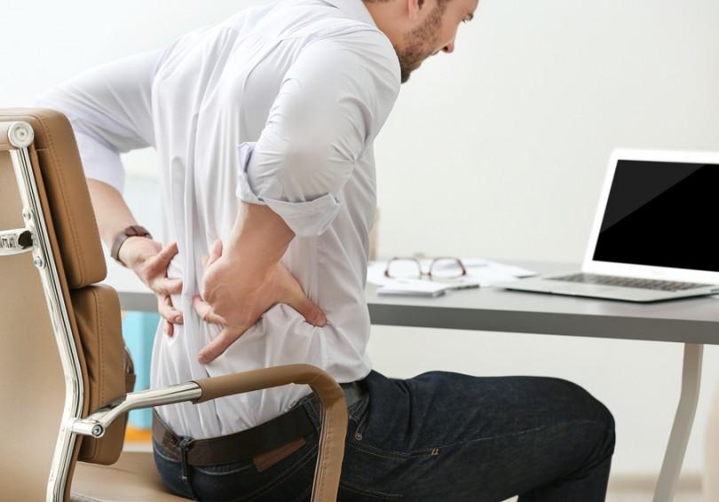 Rückenschmerzen durch falsche Haltung
