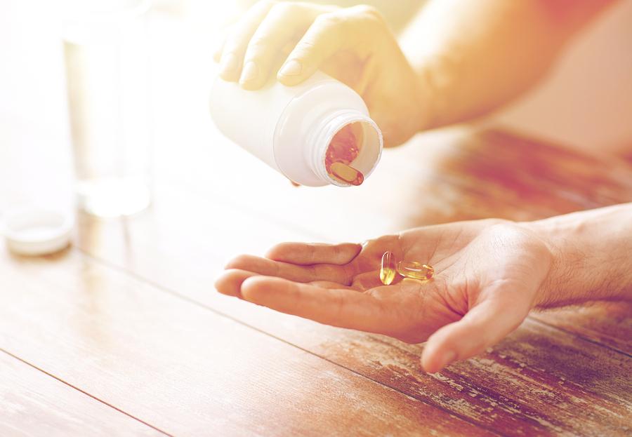 Fisch- oder Krillöl - was wirkt besser?   I  ©Bigstockphoto.com: ID: 169447142/dolgachov